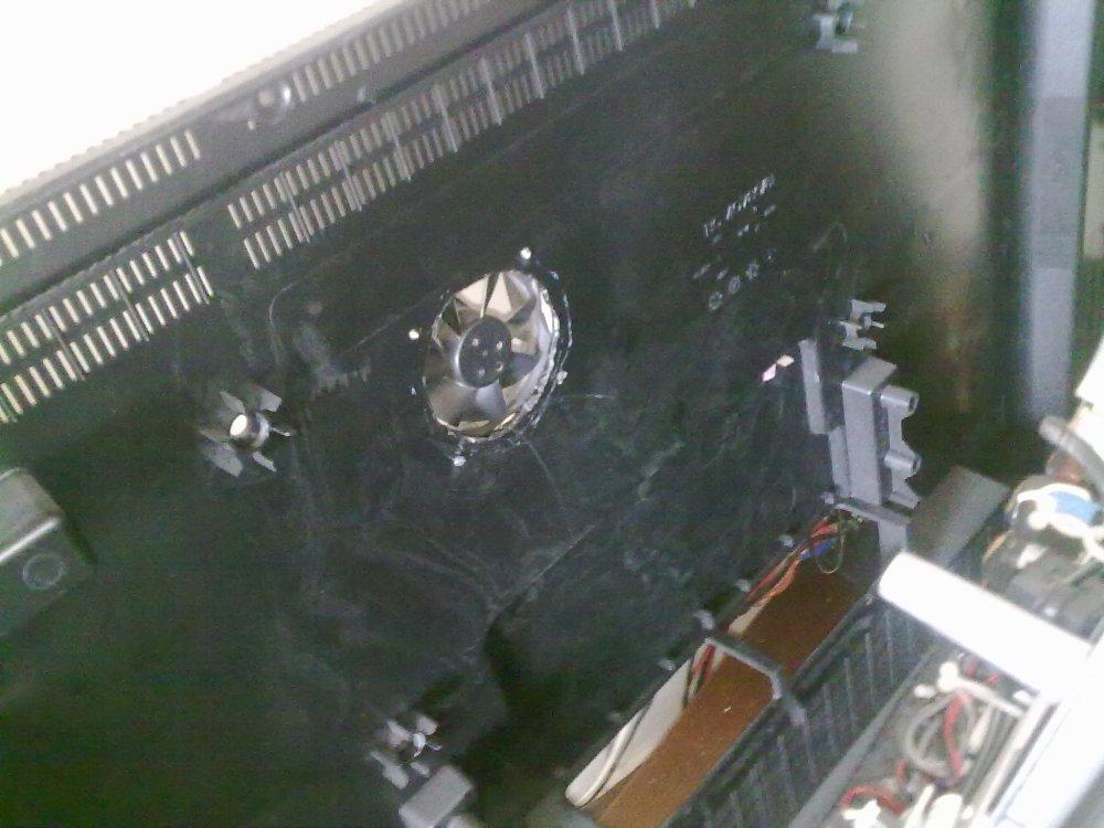 Reparar una TV LCD que se apaga sola (2/3)